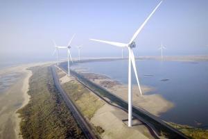 WHG - PERSBERICHT - Waalhaven windenergie - De Waalhaven Group sluit een vierjarig contract met Eneco voor elektriciteit uit HollandseWind® van de Slufterdam