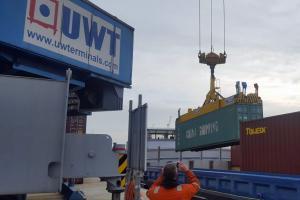 UWT - Nieuwe spreader