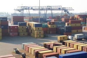 WHG - PERSBERICHT - United Waalhaven Terminals ziet haar activiteiten in Born exponentieel groeien